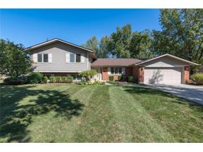 Property for sale at 837 Pinecreek Drive, Centerville,  Ohio 45458