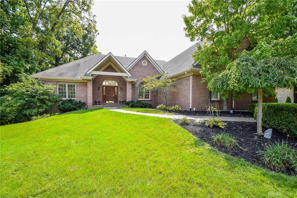 Photo of home for sale at 3881 Sable Ridge Drive, Bellbrook OH
