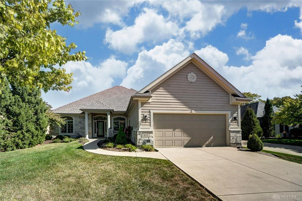 Photo of home for sale at 975 Villa Vista Place, Centerville OH