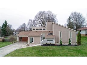 Property for sale at 1688 Cliffbrook Court, Centerville,  Ohio 45458