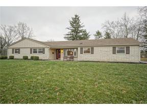Property for sale at 10 Gracewood Drive, Centerville,  Ohio 45458