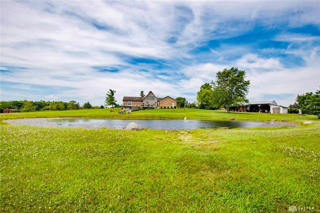 Photo of home for sale at 6648 Hamilton Road, Turtlecreek Twp OH