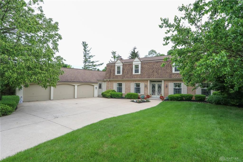 Photo of home for sale at 1815 Ladera Trail, Dayton OH