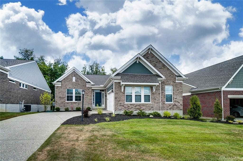 Photo of home for sale at 5243 Renaissance Park Drive, Franklin OH
