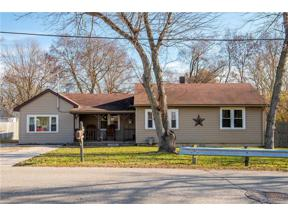 Property for sale at 484 Sunset Drive, Carlisle,  Ohio 45005