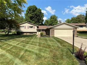 Property for sale at 759 Chipplegate Drive, Centerville,  Ohio 45459