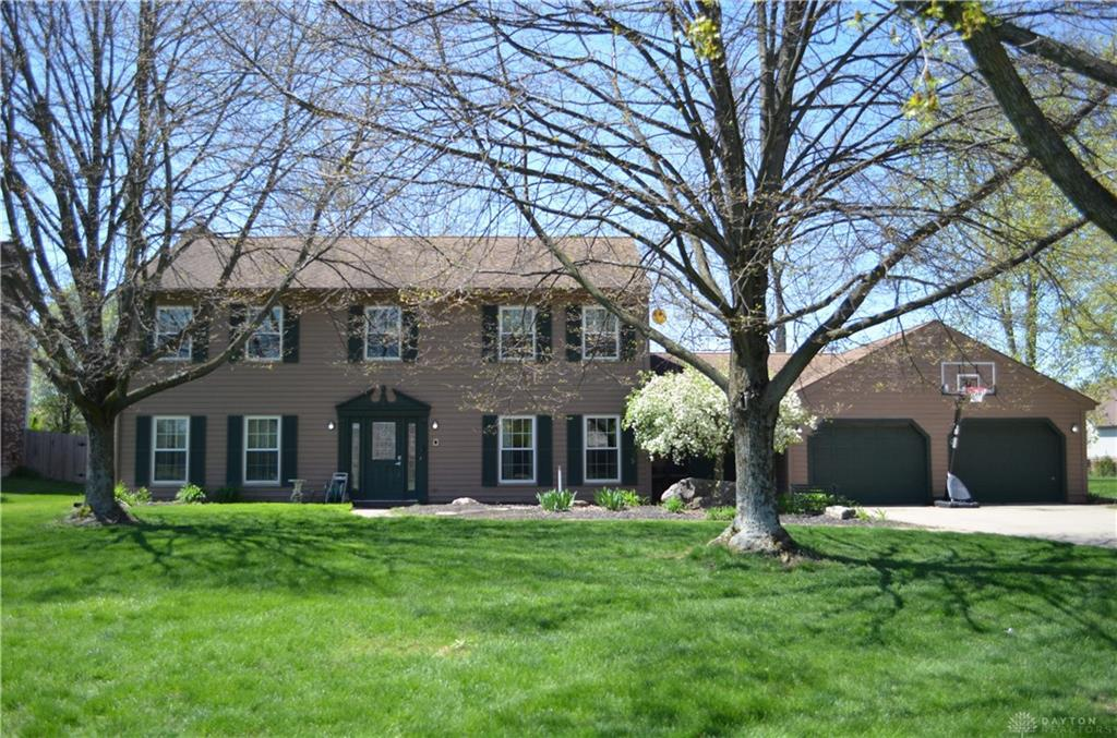 Photo of home for sale at 10017 Settlement House Road, Dayton OH