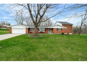 Property for sale at 2879 Vickie Drive, Beavercreek,  Ohio 45434