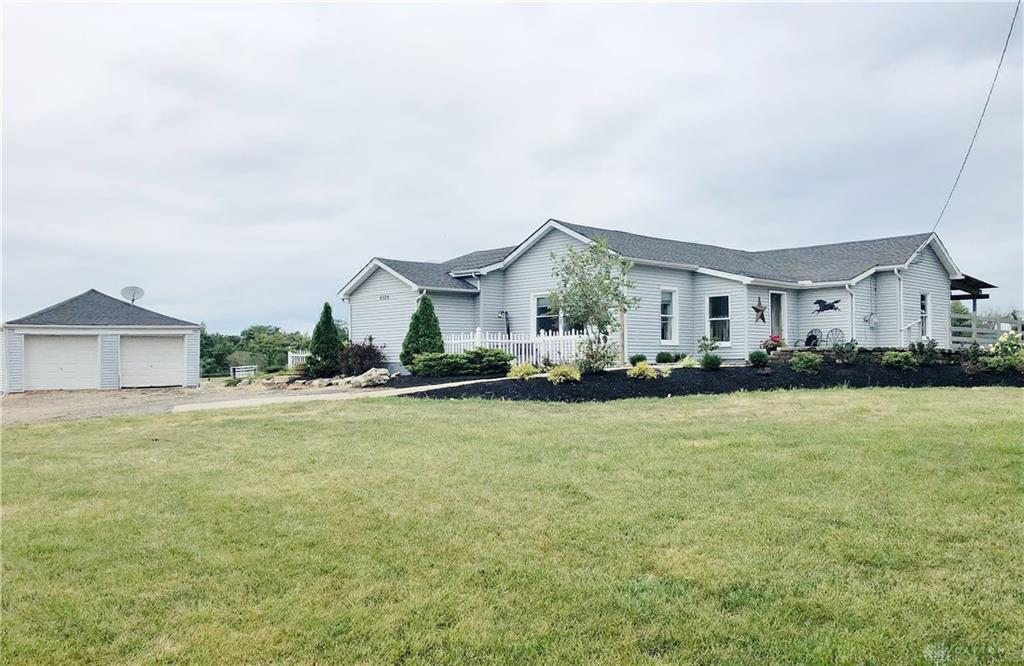 Photo of home for sale at 6526 Diver Lane, Middletown OH