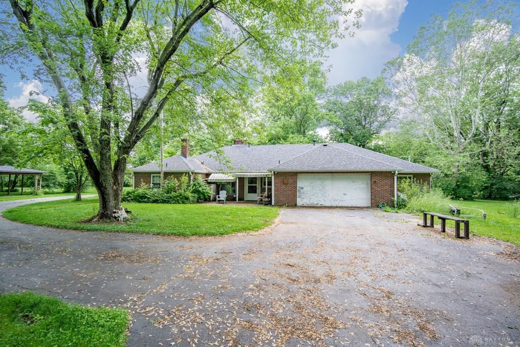 Photo of home for sale at 8753 Clyo Road, Washington Twp OH