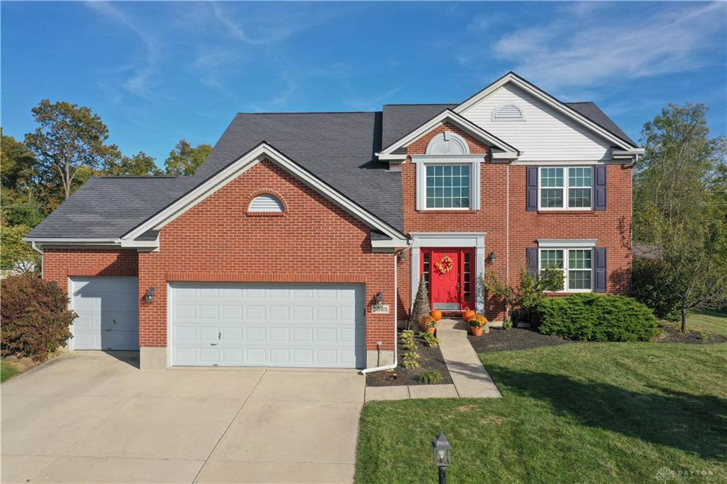 Photo of home for sale at 2585 Hillsdale Drive, Beavercreek OH