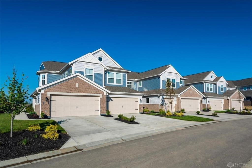 Photo of home for sale at 163 Rippling Brook Lane, Springboro OH