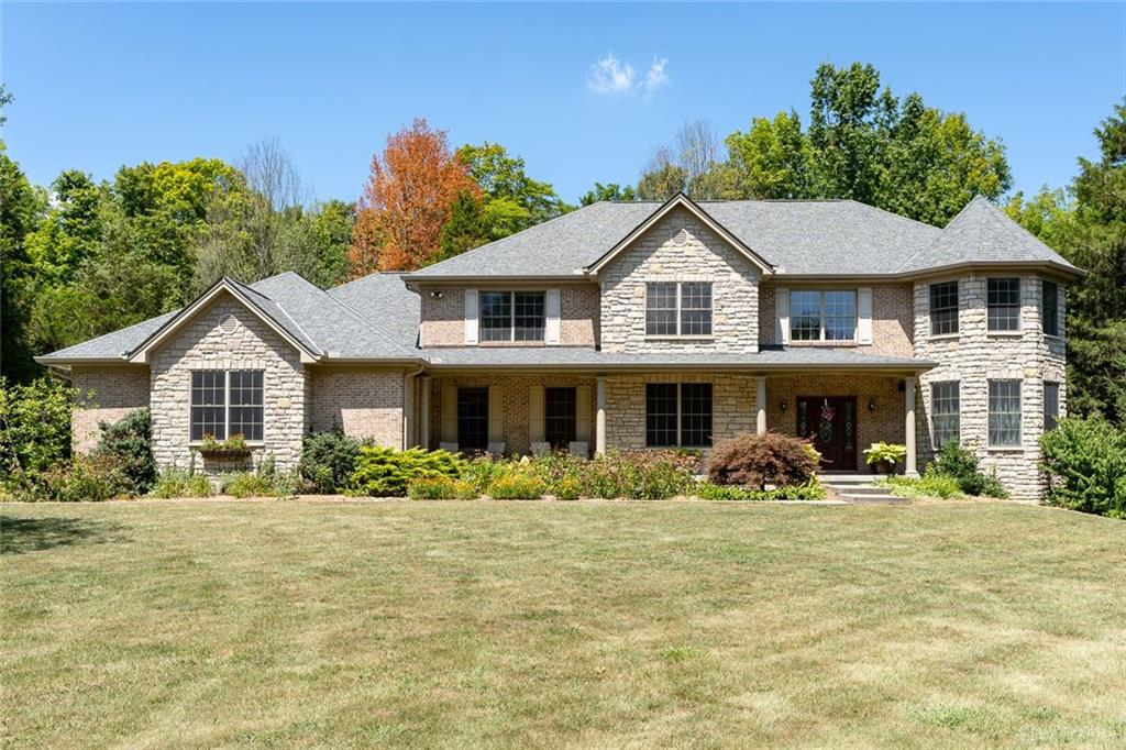 Photo of home for sale at 561 Shelter Glen Court, Turtlecreek Twp OH