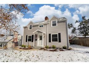 Property for sale at 104 Acacia Drive, Oakwood,  Ohio 45409