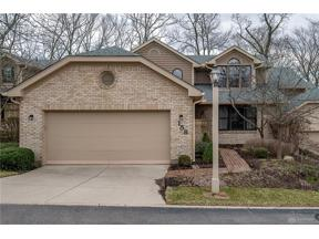 Property for sale at 158 Strathmoor Crossing, Kettering,  Ohio 45459