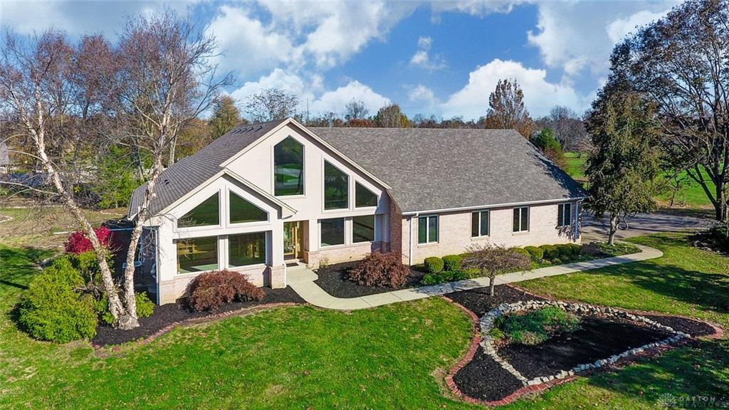 Photo of home for sale at 1800 Grand Portage Trail, Beavercreek Township OH