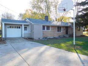 Property for sale at 302 Winnimac Drive, Englewood,  Ohio 45322