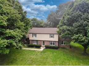 Property for sale at 1850 Beechwood Drive, Troy,  Ohio 45373