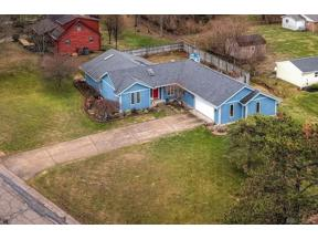 Property for sale at 4300 Burnham Woods Drive, Franklin Twp,  Ohio 45005