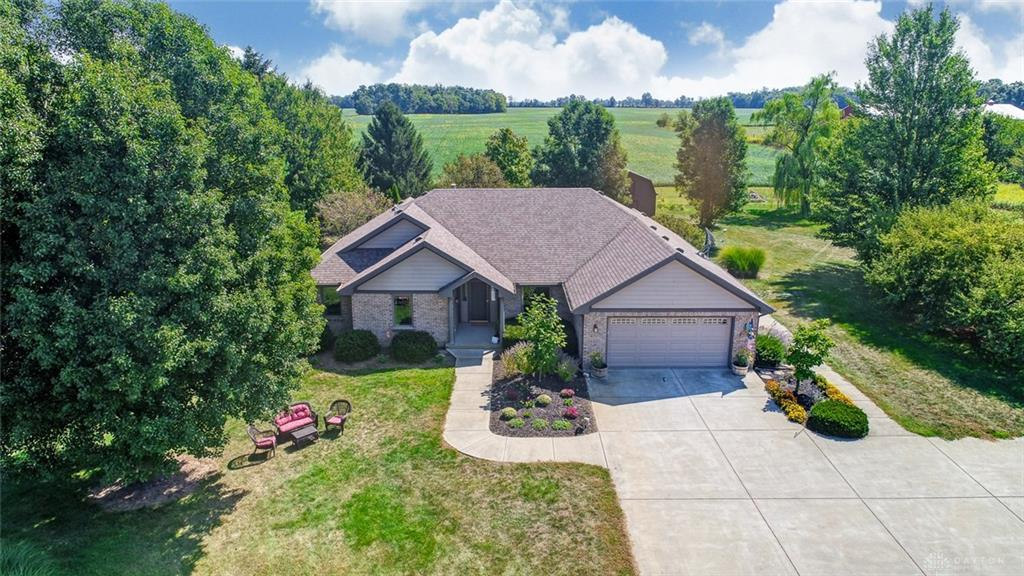 Photo of home for sale at 1232 Nash Road, Xenia OH