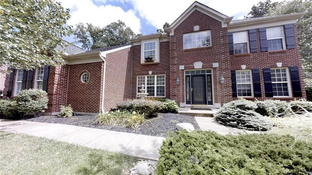Photo of home for sale at 6242 Avebury Court, Morrow OH