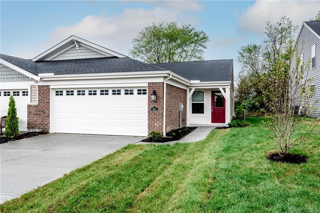 Photo of home for sale at 931 Southline Drive, Lebanon OH