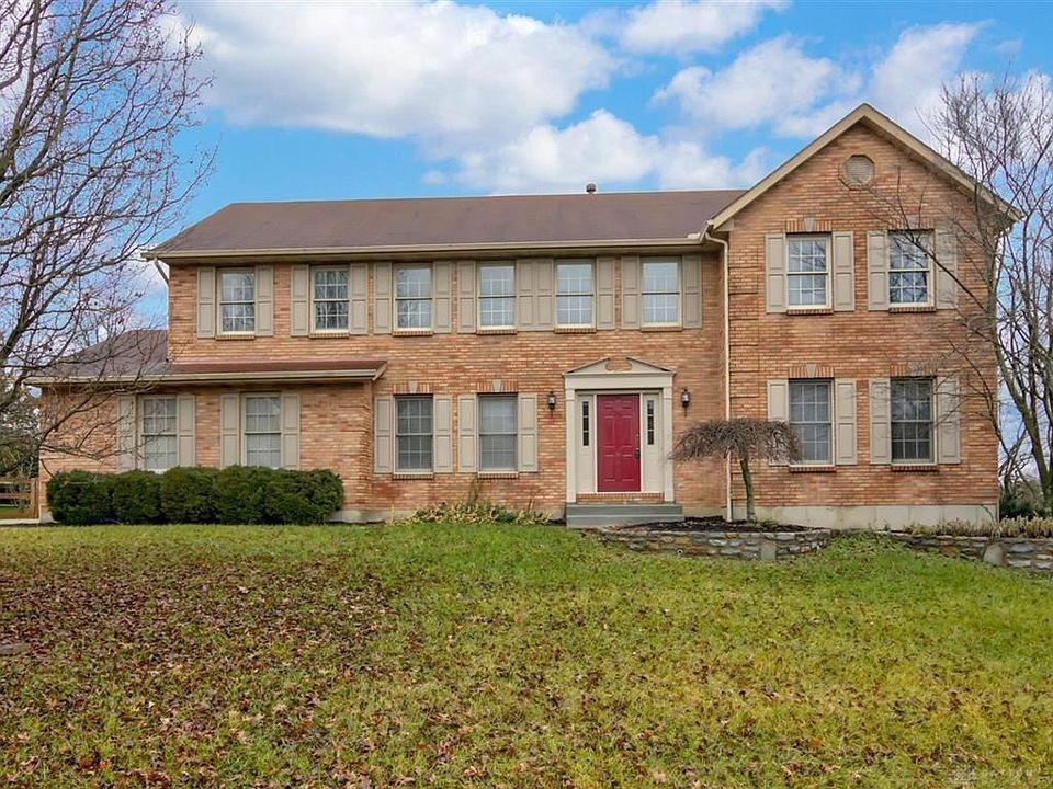Photo of home for sale at 7117 Clawson Ridge Court, West Chester OH