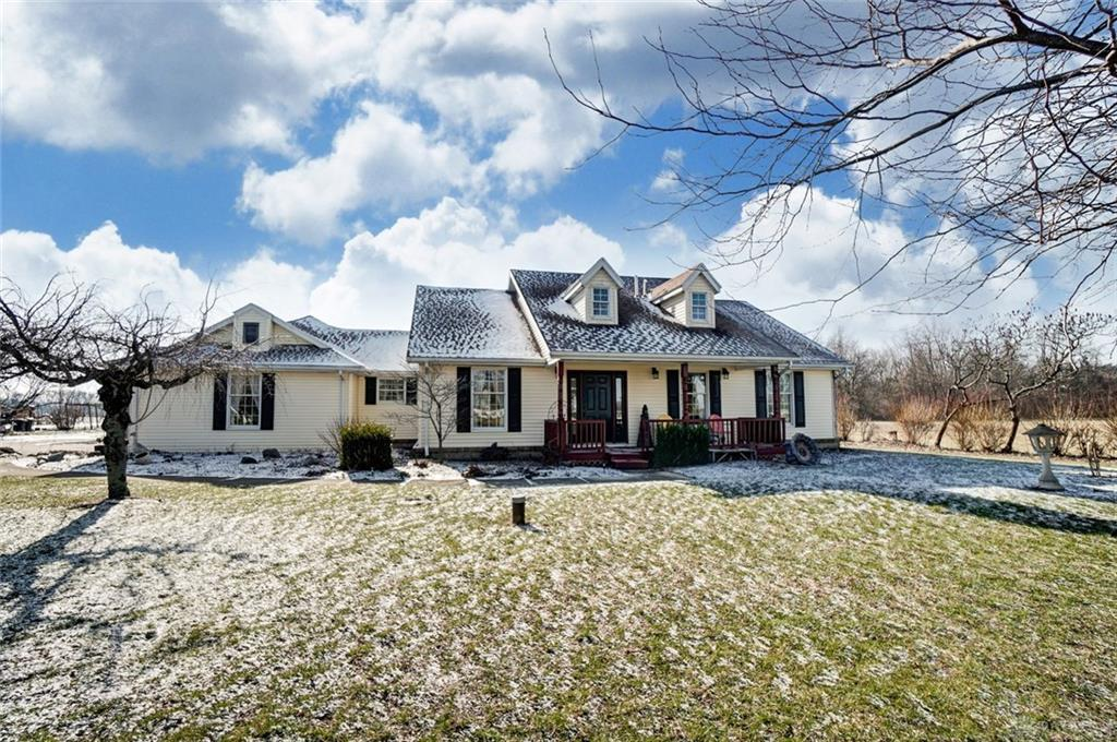 Photo of home for sale at 5771 New Carlisle Pike, Springfield OH