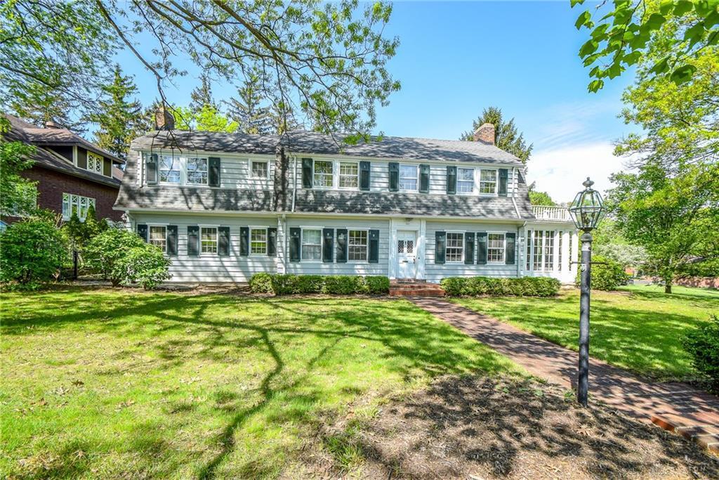 Photo of home for sale at 501 Oakwood Avenue, Oakwood OH