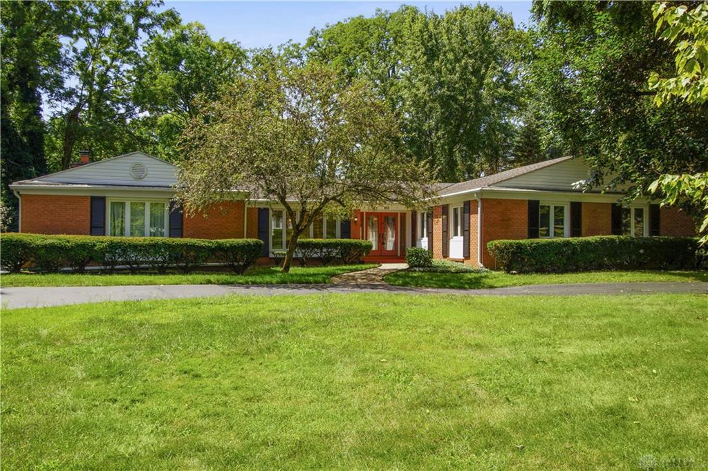 Photo of home for sale at 650 Winding Way, Kettering OH