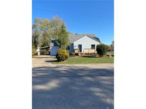 Property for sale at 82 Lucas Drive, Centerville,  Ohio 45458