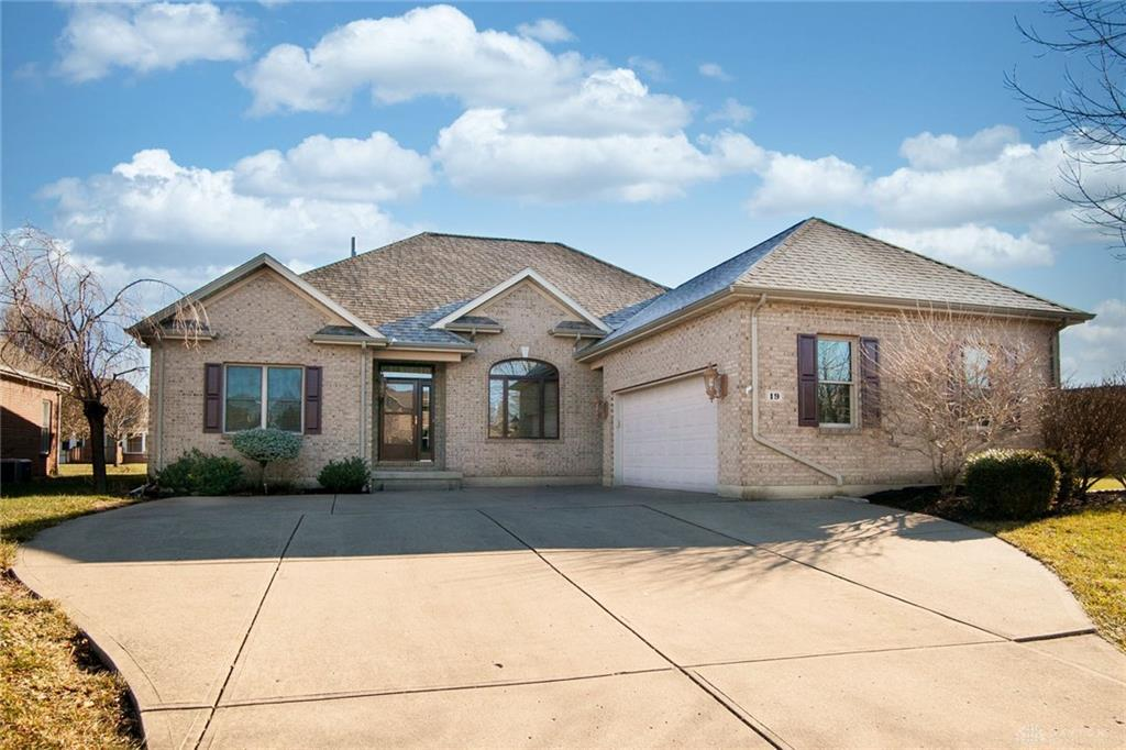 Photo of home for sale at 19 Osprey Court, Piqua OH