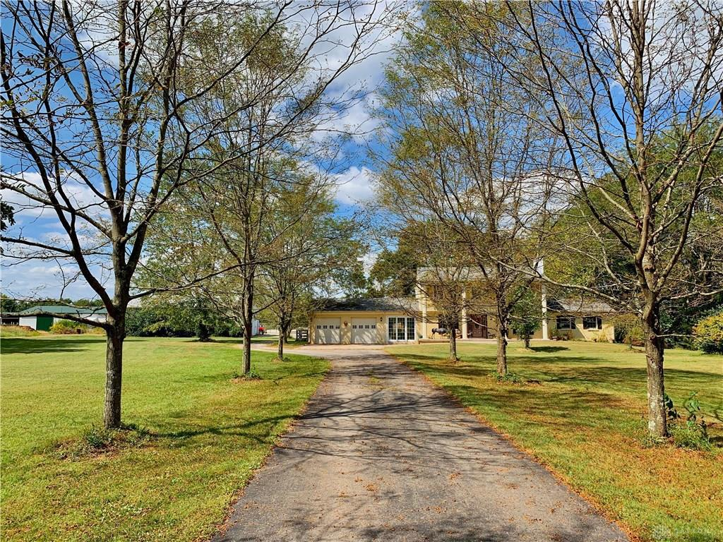Photo of home for sale at 3632 Foster Maineville Road, Morrow OH