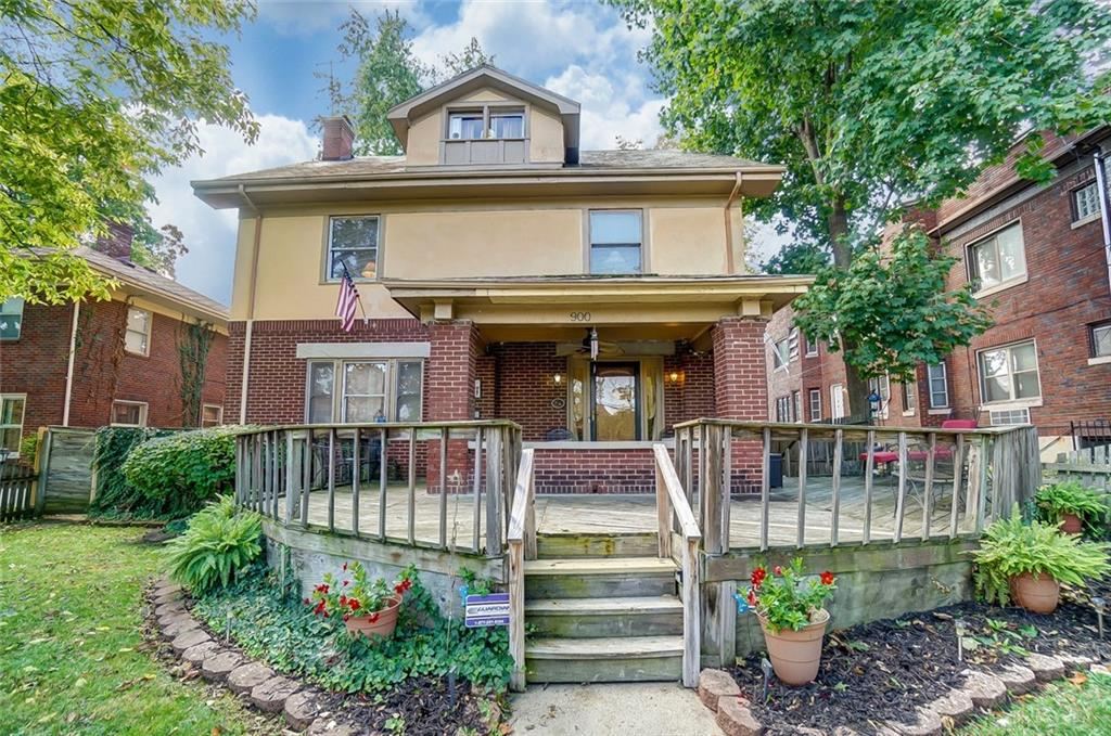 Photo of home for sale at 900 Cumberland Avenue, Dayton OH