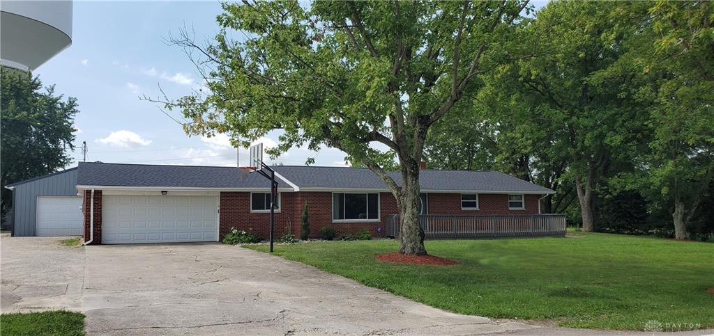 Photo of home for sale at 171 Turtlecreek Union Road, Lebanon OH