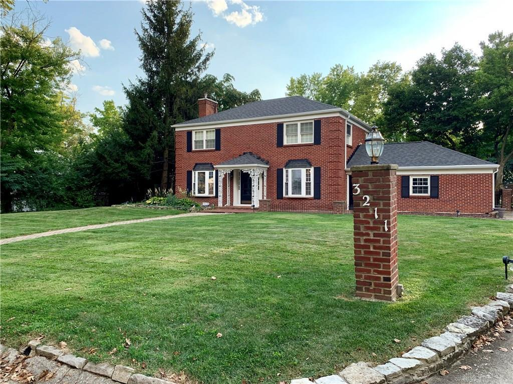 Photo of home for sale at 3211 Lenox Drive, Kettering OH