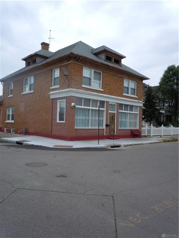 Photo of home for sale at 196 Alton Avenue, Dayton OH