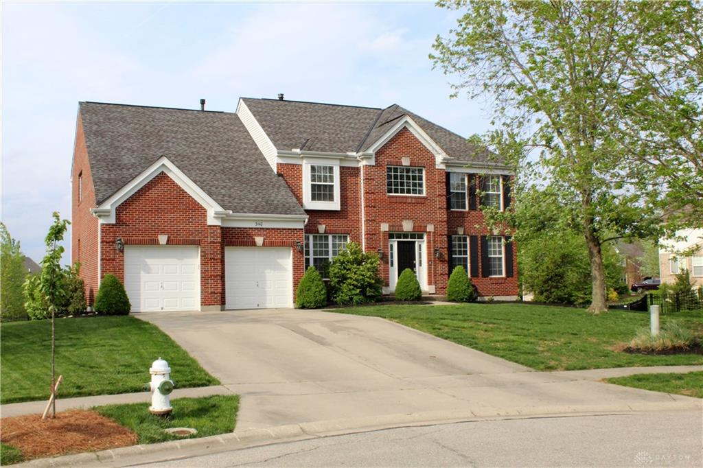 Photo of home for sale at 340 Briargate Drive, Lebanon OH