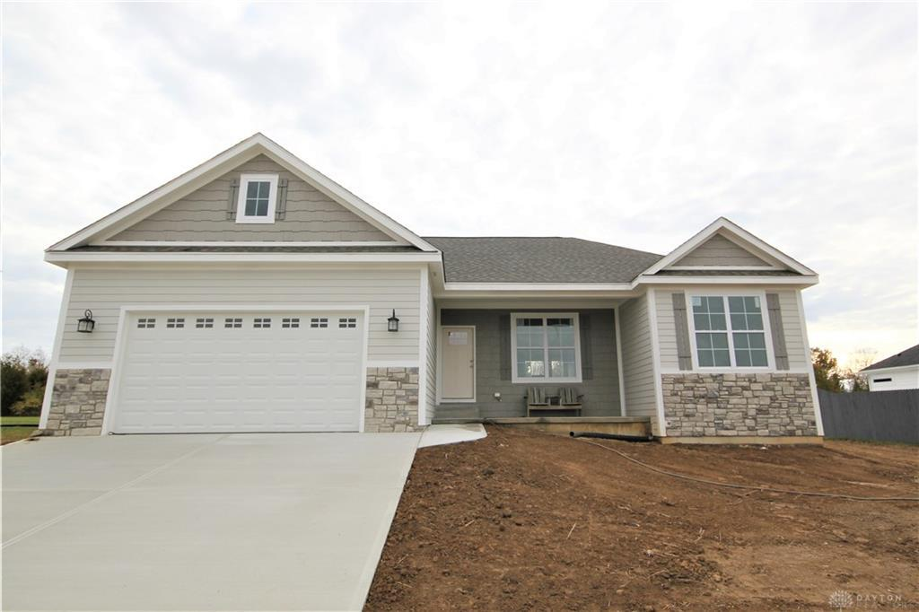 Photo of home for sale at 5513 Wellesley Trail, Waynesville OH