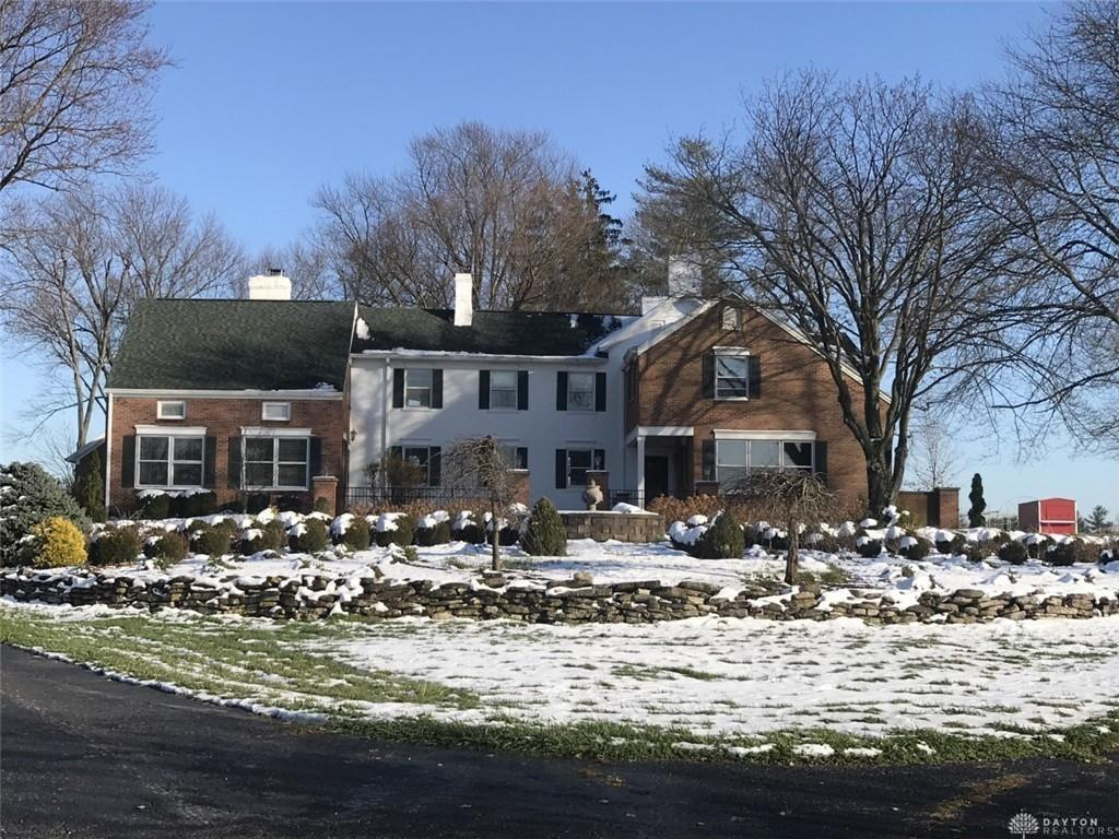 Photo of home for sale at 5894 Bunnell Hill Road, Clearcreek Twp OH