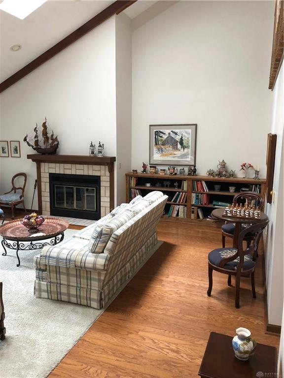 Photo of home for sale at 226 Tamarac Lane, Kettering OH