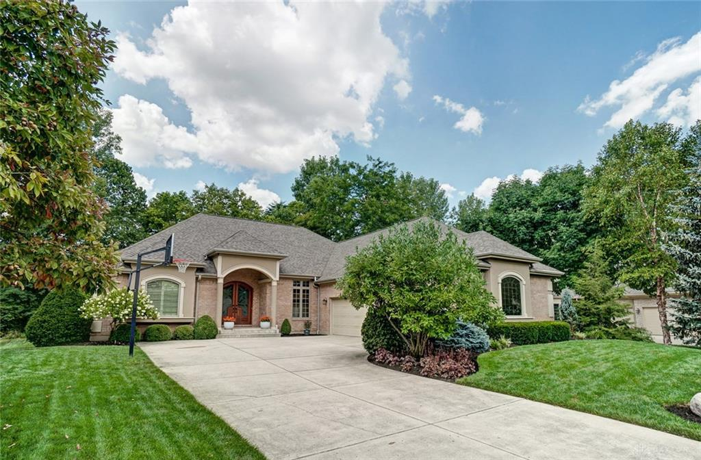 Photo of home for sale at 9801 Country Creek Way, Washington Twp OH