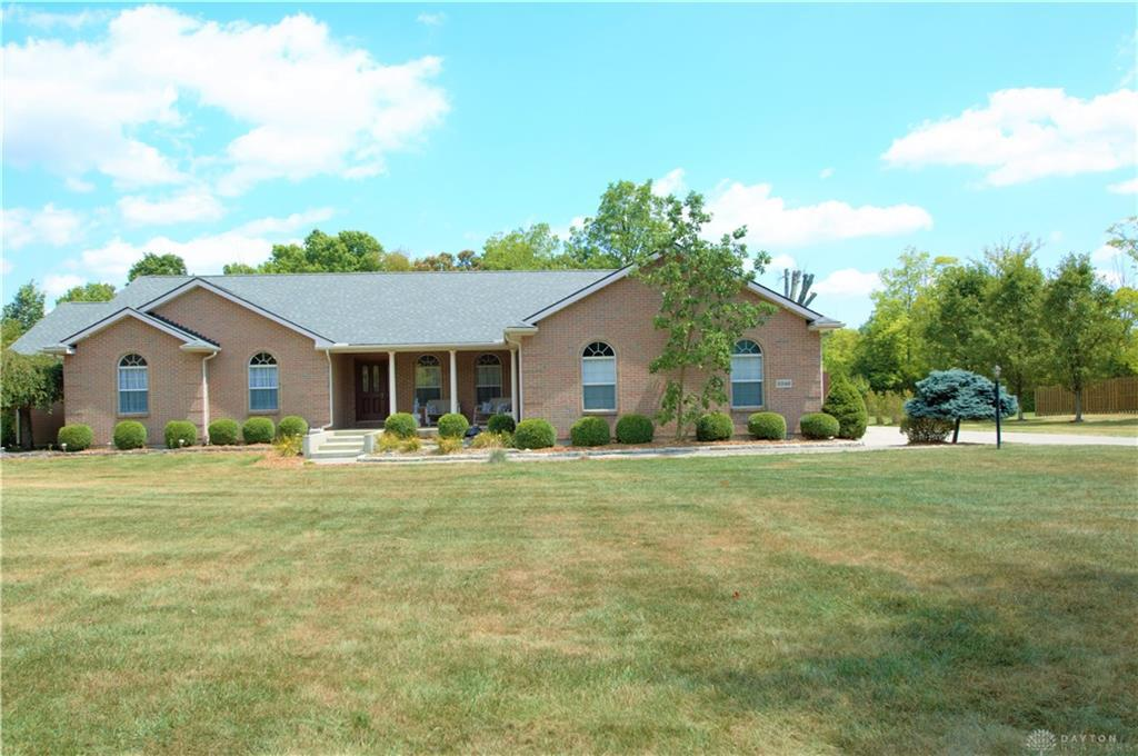 Photo of home for sale at 2246 Twin Oaks Drive, Lebanon OH