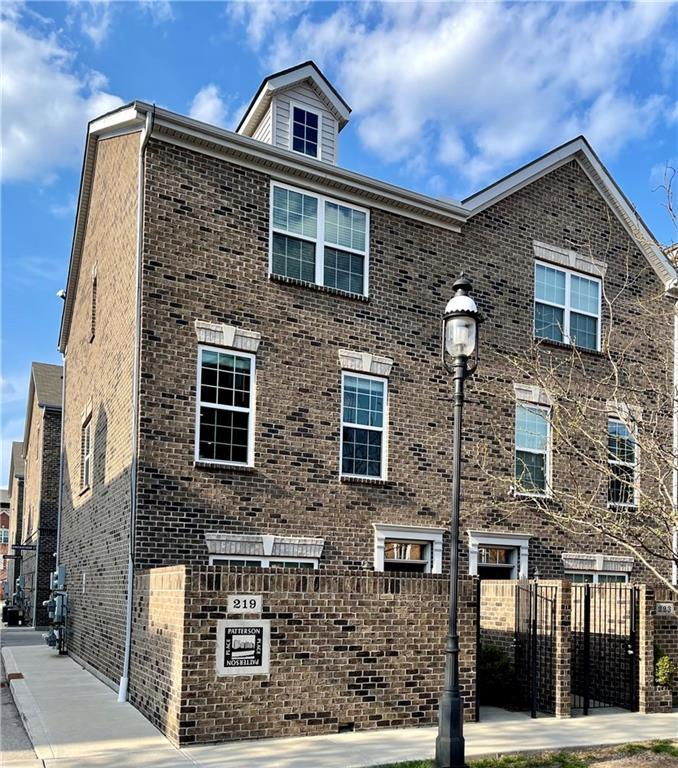 Photo of home for sale at 219 Ice Avenue, Dayton OH