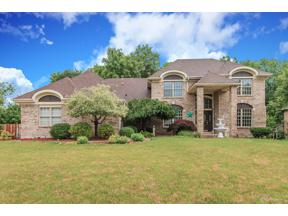 Property for sale at 105 Lincolnshire Lane, Springboro,  OH 45066