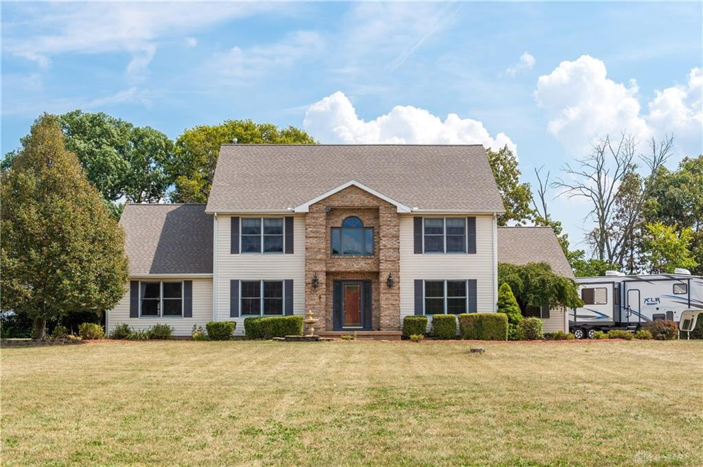 Photo of home for sale at 2390 Ashbrook Drive, Springfield OH
