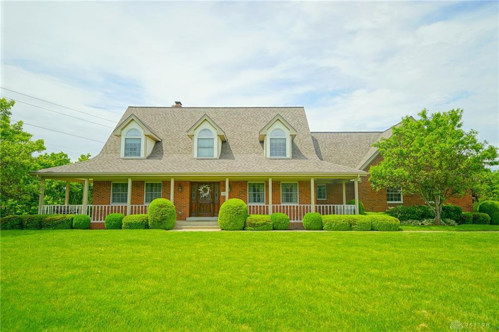 Photo of home for sale at 2662 Upper Bellbrook Road, Bellbrook OH