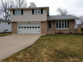 Property for sale at 6109 Sherwood Drive, North Olmsted,  Ohio 44070
