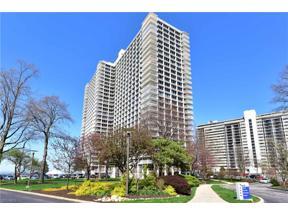 Property for sale at 12700 Lake Avenue 1105, Lakewood,  Ohio 44107