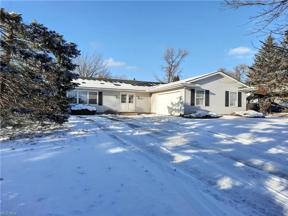 Property for sale at 4121 Beverly Hills Drive, Brunswick,  Ohio 44212